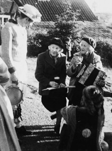 Russell Wortley collecting from Beatrice Hill and Emily Bishop 1954 resized